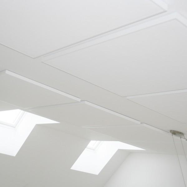 akustikloft, akustikregulering, earmark, støj, køkkenalrum, loft til kip, lyd, samtale, efterklang, højt til loftet